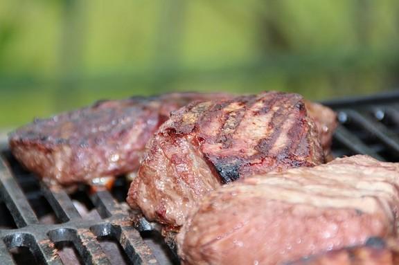 steak-353115-640-(1).jpg
